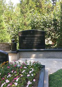 гранитный памятник